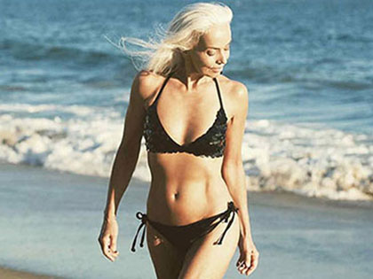61-year-old-model-absolutely-rocks-her-swimsuit-campaign