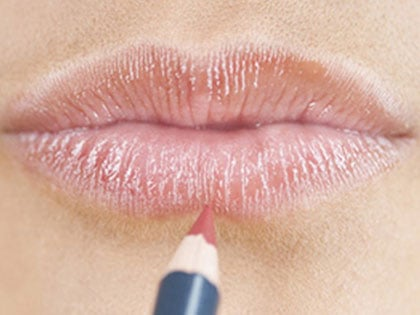 8-makeup-tricks-that-make-you-10-years-younger