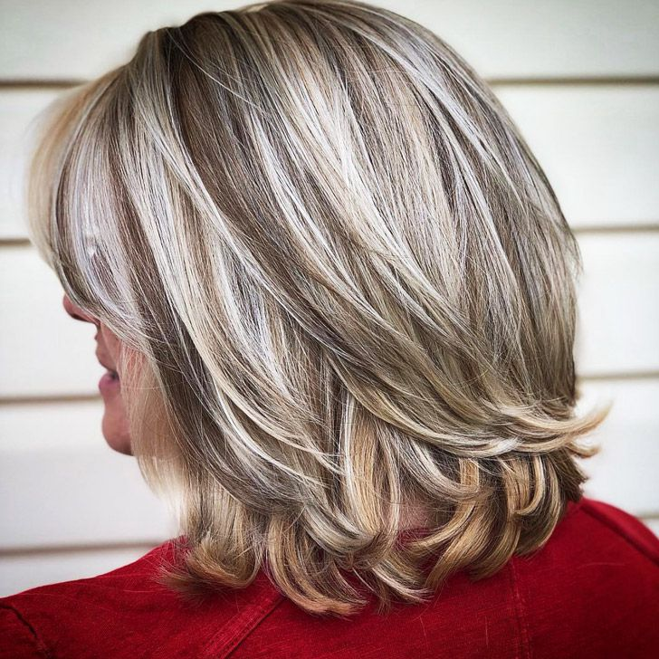 20 Best Short Hairdos For Women Over 60 That Will Take 20 Years Off Your Face_23