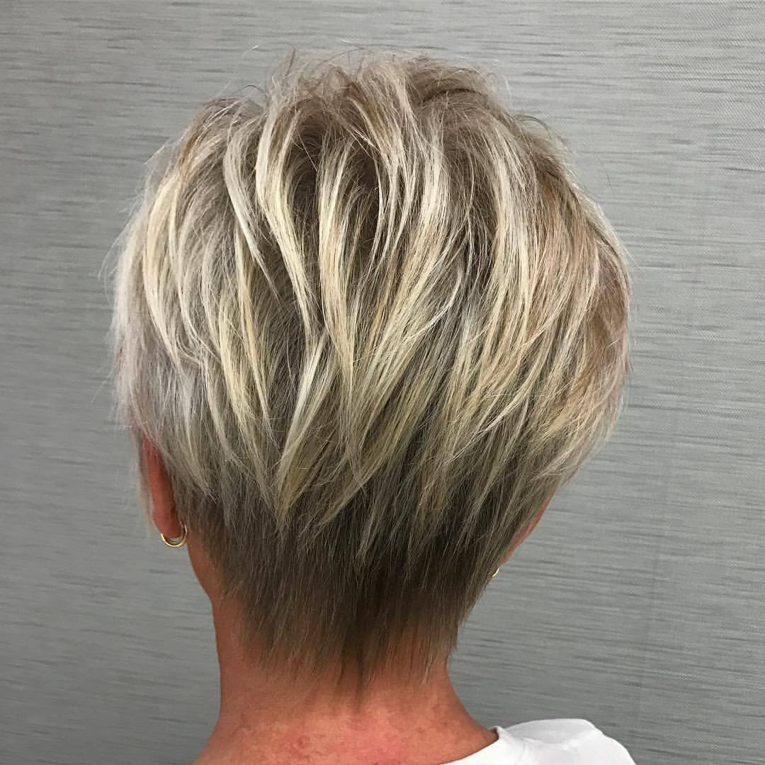 20 Best Short Hairdos For Women Over 60 That Will Take 20 Years Off Your Face_33