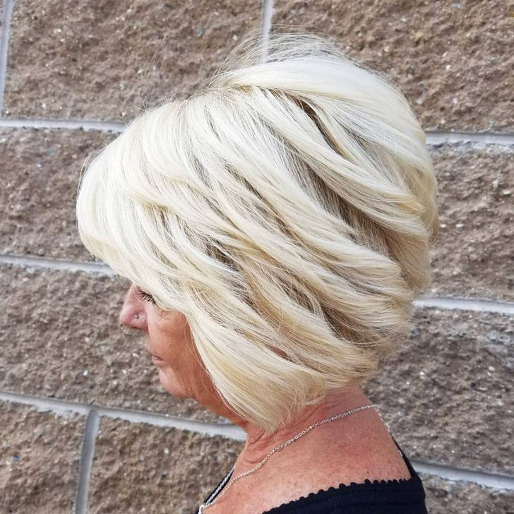 20 Best Short Hairdos For Women Over 60 That Will Take 20 Years Off Your Face_37