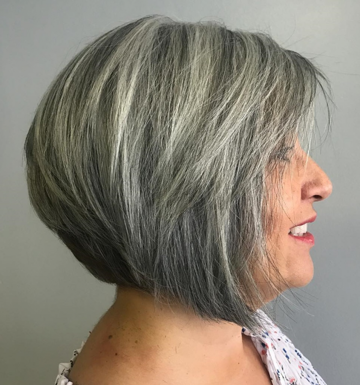 50 Best Short Hairdos For Women Over 60 That Will Take 20 Years Off Your Face_51