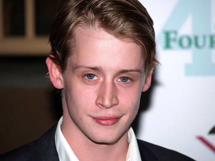 28-years-since-home-alone-surprising-details-emerge-about-macaulay-culkins-past_13