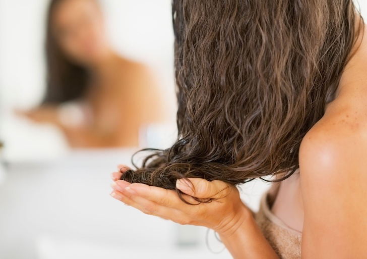 6-tricks-to-have-perfect-hair-in-the-morning_6