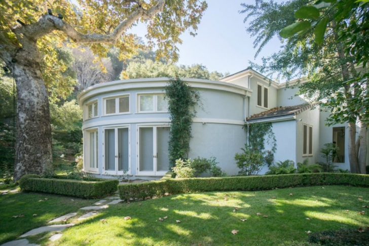 Take A Peek Inside Serena Williams' $12 Million Bel Air Mansion_38