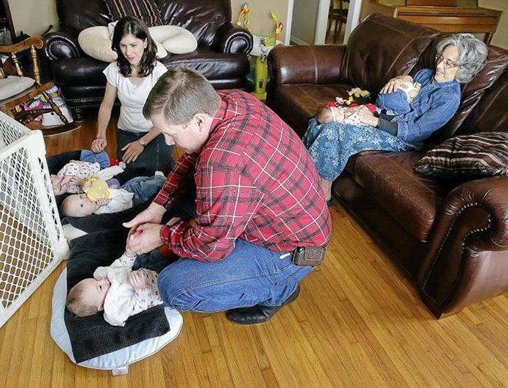 this-couple-got-an-unforgettable-surprise-after-adopting-triplets_11