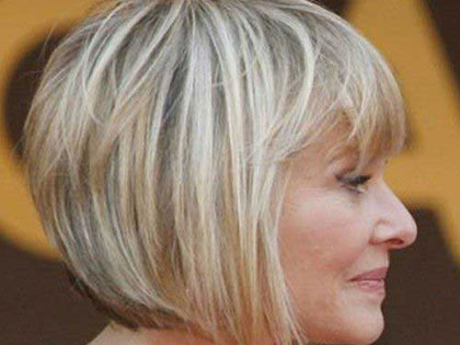 10 Hairstyles That Make You Look 10 Years Younger